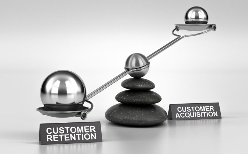 حفظ مشتری کنونی بهتر است یا جذب مشتری جدید؟